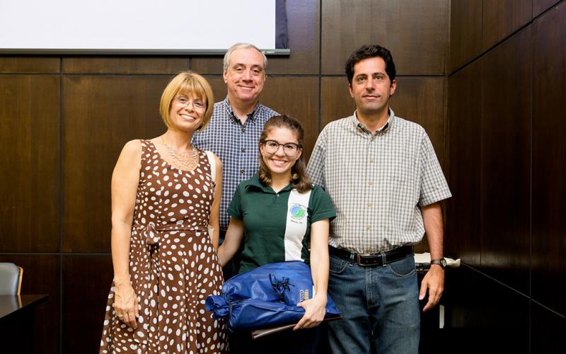 3º Lugar PIBIC: Rebecca Montamagni Almeida